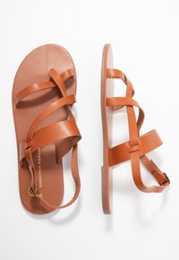 Dorothy Perkins - FABIENNE TRIPLE STRAP GLAD T-BAR - Tongs - tan - 3