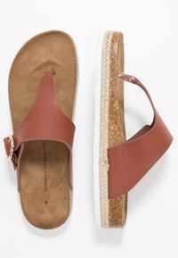 Dorothy Perkins - FABLE FOOTBED TOE POST - Sandály s odděleným palcem - tan - 3