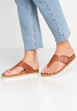 FABLE FOOTBED TOE POST - Sandalias de dedo - tan
