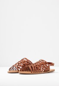 Dorothy Perkins - FISHER WOVEN SLIDE - Sandaler - tan - 4