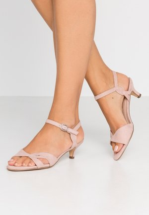 SUNRAY TWIST LOW HEEL - Sandaler - nude