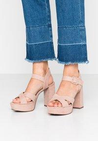 Dorothy Perkins - BOPPITY CROSS CHUNKY - Sandály na vysokém podpatku - nude - 0