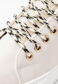 Dorothy Perkins - ILLIASI TRAINER - Sneaker low - white - 2