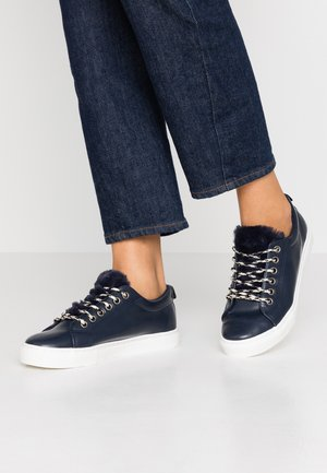 ILLIASI TRAINER - Sneakers - navy