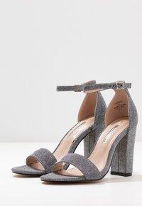 Dorothy Perkins - BAMBAM 2 PART PATTERNED - Sandaler med høye hæler - silver - 4