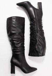 Dorothy Perkins - KHLOE POINT RUCHE LONG PULL ON - Boots med høye hæler - black - 3