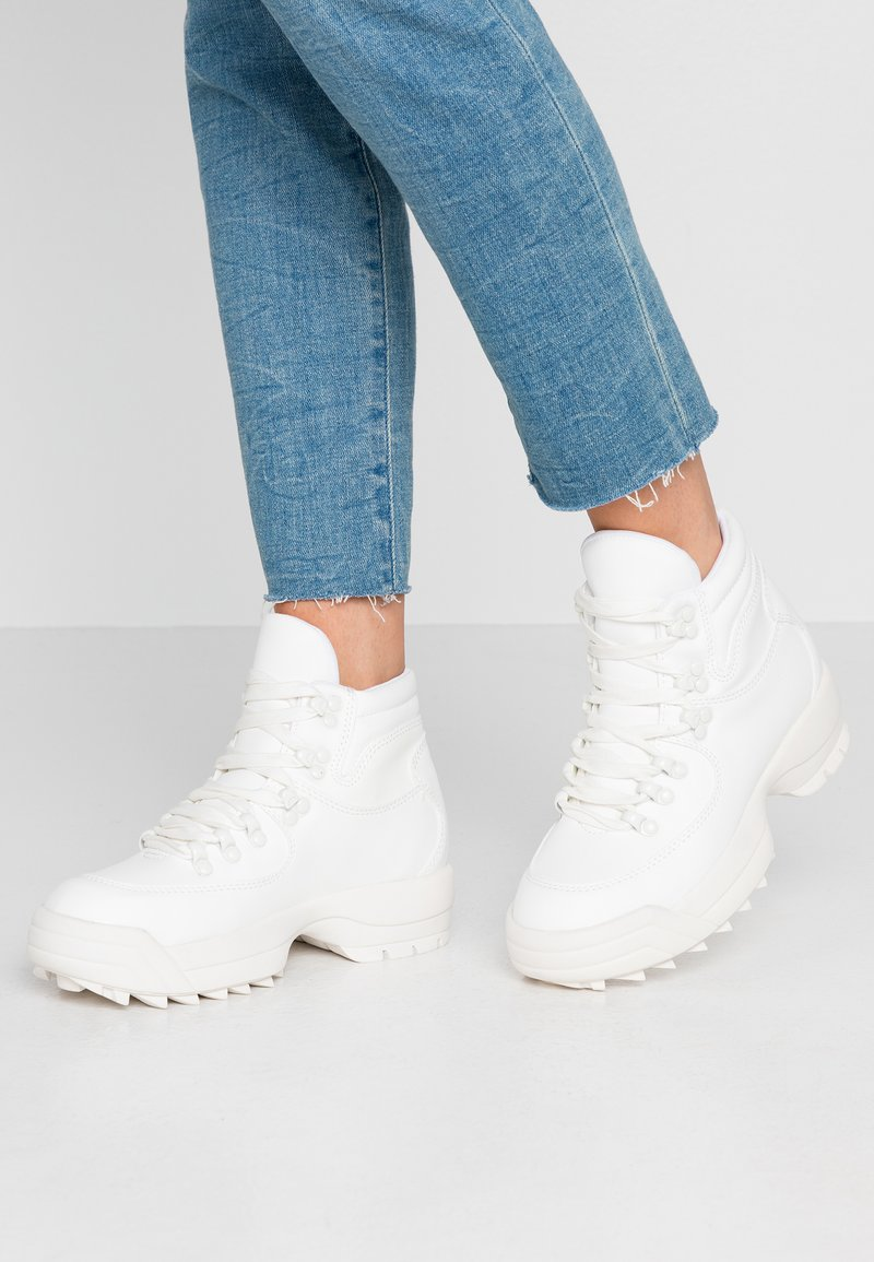 Dorothy Perkins - IGGY HIKER HIGH TOP TRAINER - Ankelboots - white