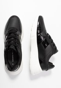 Dorothy Perkins - ISAAC CHUNKY LACE UP TRAINER - Zapatillas - black - 3