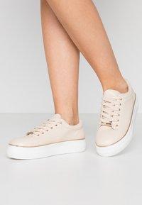 Dorothy Perkins - IGNITE TRAINER - Sneakers laag - blush - 0