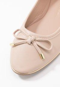 Dorothy Perkins - PARTY METAL RAND - Ballet pumps - peach - 2