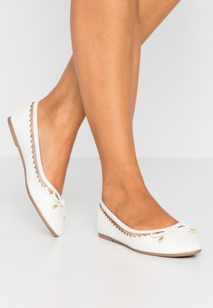 PIPPA SCALLOP ROUND TOE  - Ballet pumps - white
