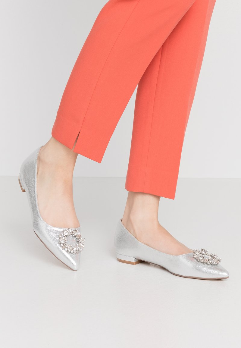 Dorothy Perkins - PARLOUR POINTED TRIM  - Ballet pumps - silver