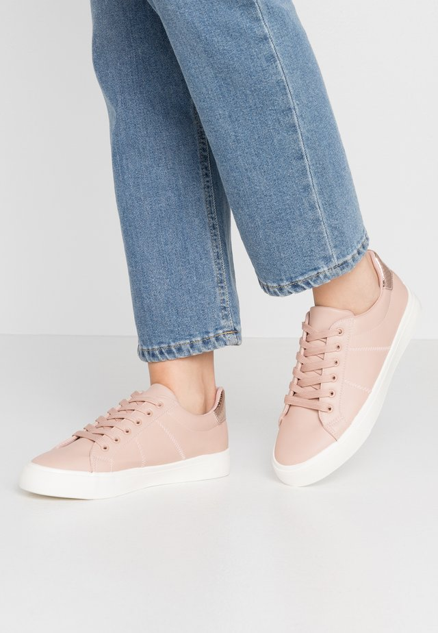 INKLACE UP TRAINER - Trainers - blush