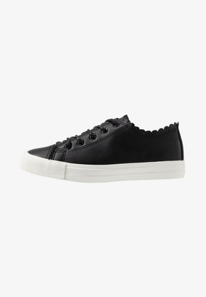 ISABELLA SCALLOP TRAINER - Trainers - black