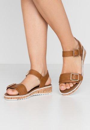 COMFORT FELIX FLATFORM  - Platform sandals - tan