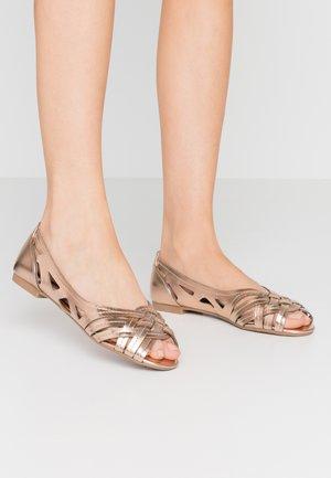 PEARLENE  - Peeptoe ballet pumps - rose gold