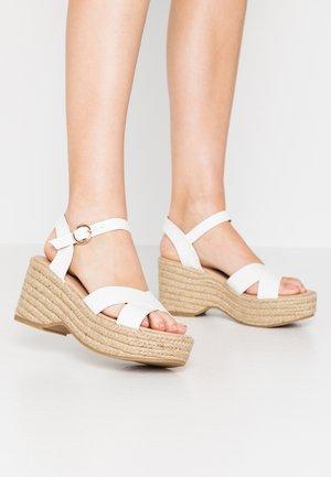 RUMBA MID HEIGHT EASY FLATFORM  - High heeled sandals - white