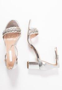 Dorothy Perkins - SOLANGE LAZERCUT BLOCK - Sandals - silver - 3