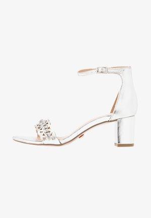 SOLANGE LAZERCUT BLOCK - Sandals - silver