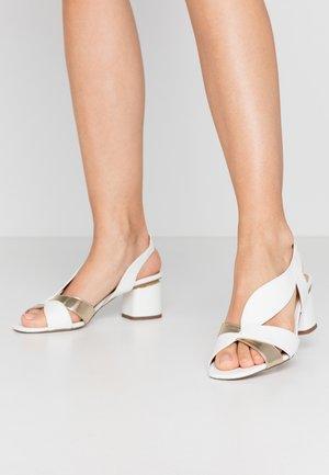 SWING VINTAGE DORSAY SLINGBACK BLOCK - Sandals - white