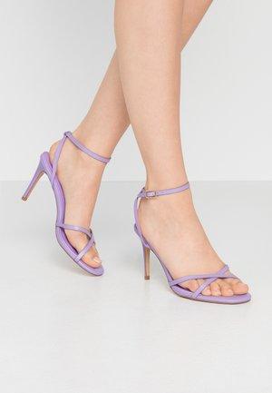 SAFIRA STRIPPY DRENCH ENAMEL - Sandales à talons hauts - lilac