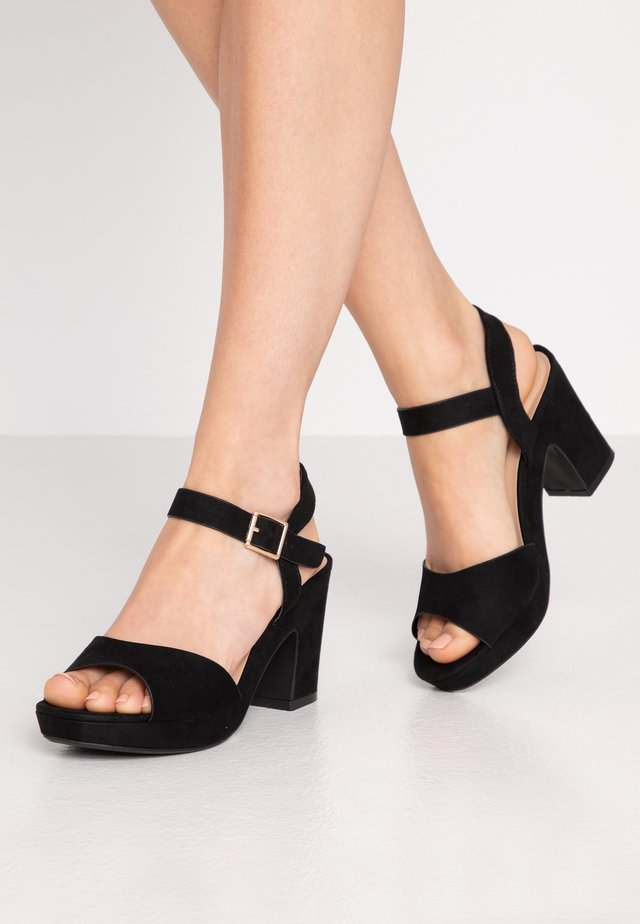 RHONDA NOTCH WEDGE  - Korolliset sandaalit - black