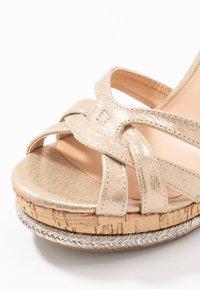 Dorothy Perkins - RHODA DRESSY GOING OUT WEDGE - Korolliset sandaalit - rose gold - 2