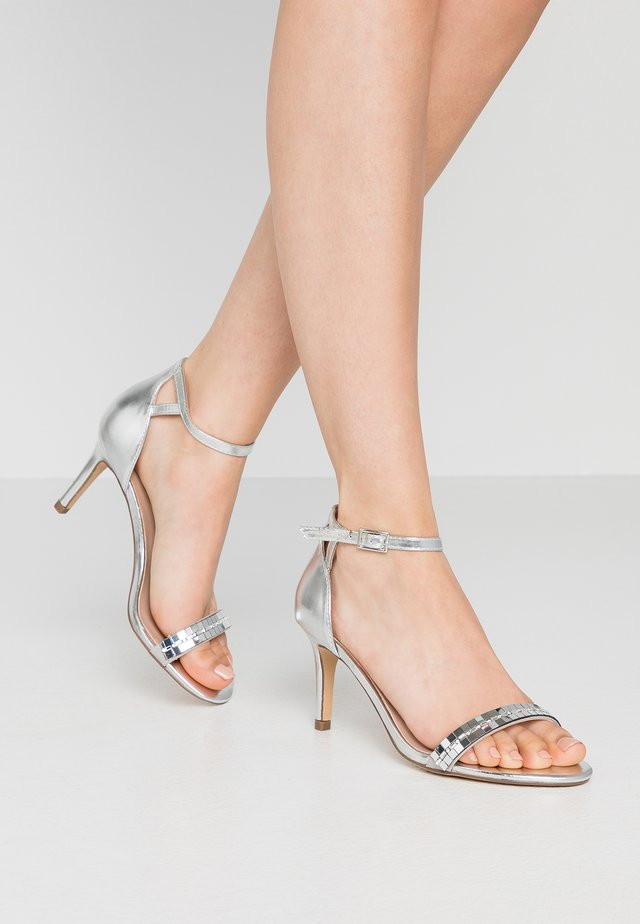 SLING PRETTY TRIM MID HEIGHT  - High Heel Sandalette - silver