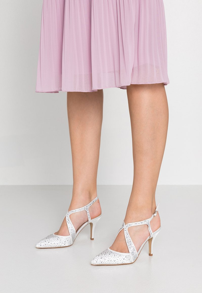 Dorothy Perkins - COVERAGE COURT SHOE - Zapatos altos - white