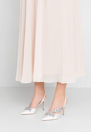 ASYMETTRIC BRIDAL - High heels - white