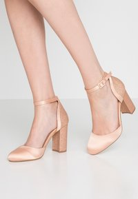 Dorothy Perkins - BLOCK GLITTER COURT - Decolleté - blush - 0