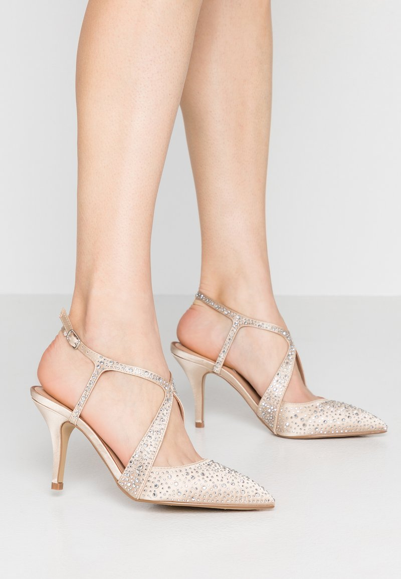 Dorothy Perkins - COVERAGE - Decolleté - champagne gold