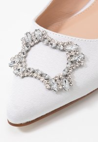 Dorothy Perkins - PEYTON SQUARE JEWEL  - Bailarinas - white - 2