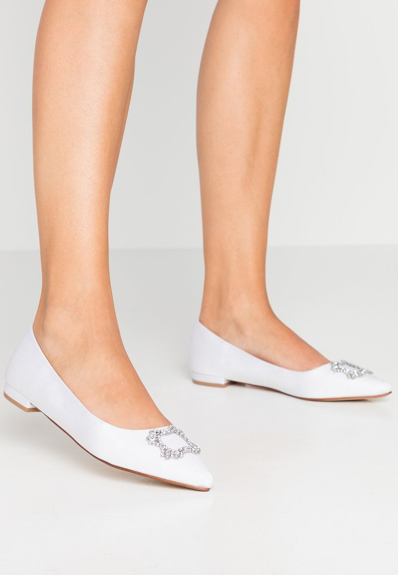 Dorothy Perkins - PEYTON SQUARE JEWEL  - Ballet pumps - white