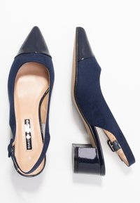 Dorothy Perkins - DARLING SLING BACK BLOCK HEEL COURT - Escarpins - navy - 3