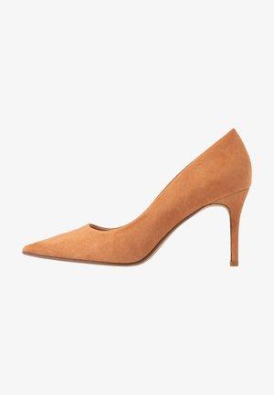 DELE POINT COURT - Zapatos altos - tan