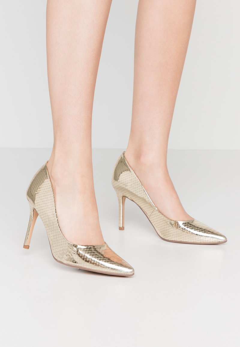 Dorothy Perkins - DELE POINT COURT - Escarpins à talons hauts - gold