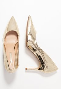 Dorothy Perkins - DELE POINT COURT - Escarpins à talons hauts - gold - 3