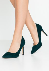 Dorothy Perkins - DELE POINT COURT - Korolliset avokkaat - green - 0