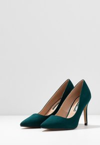 Dorothy Perkins - DELE POINT COURT - Korolliset avokkaat - green - 4