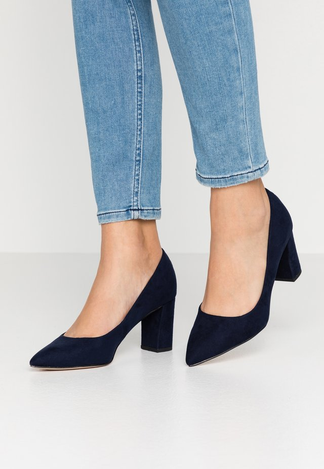 DAKOTA EVERLEY CLOSED COURT - Classic heels - navy
