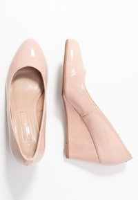 Dorothy Perkins - DREAMER WEDGE COURT - Sleehakken - nude - 3