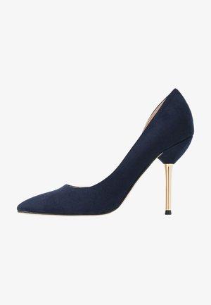 DESSIE PIN COURT - Zapatos altos - navy