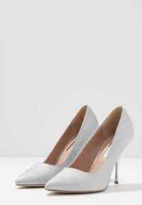 Dorothy Perkins - BERTIE METAL GLITTER - Zapatos altos - silver - 4
