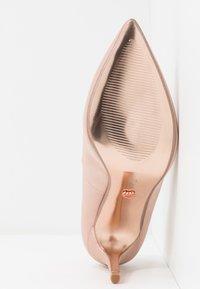 Dorothy Perkins - GRAZIE JEWEL COURT - High heels - blush - 6