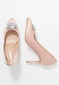 Dorothy Perkins - GRAZIE JEWEL COURT - High heels - blush - 3