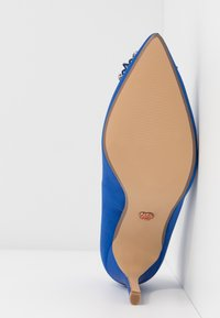 Dorothy Perkins - GLADLY POINTED TRIM COURT - High heels - blue - 6