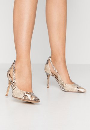 DANE CHAIN DETAIL POINT COURT - High heels - multicolor