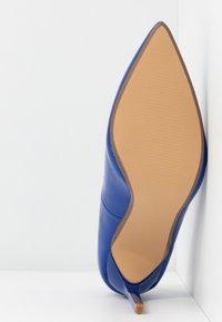 Dorothy Perkins - DESIREE SET BACK COURT - High heels - cobalt - 6