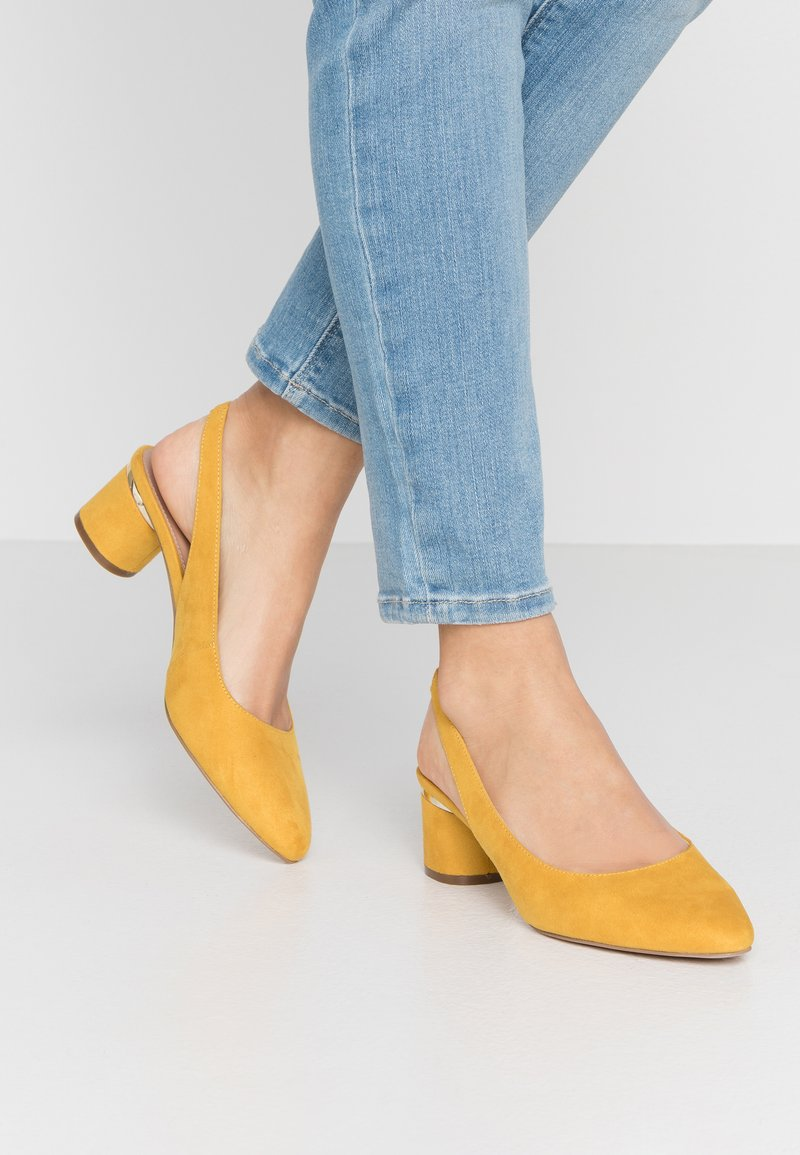 Dorothy Perkins - DOLLARCYCLINDER HEEL SLINGBACK COURT - Classic heels - yellow